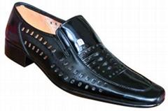2011年夏季  款男涼鞋廠家批發超低價格!