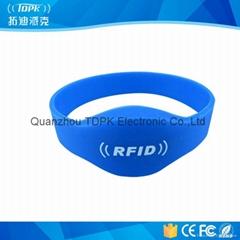 multifunctional LF HF UHF chip silicone rfid bracelet for tracking