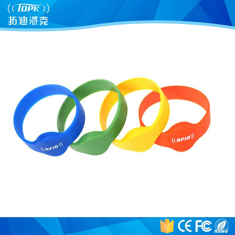 Printing Electronic Bracelet Qr Code Silicone Wristbands 1