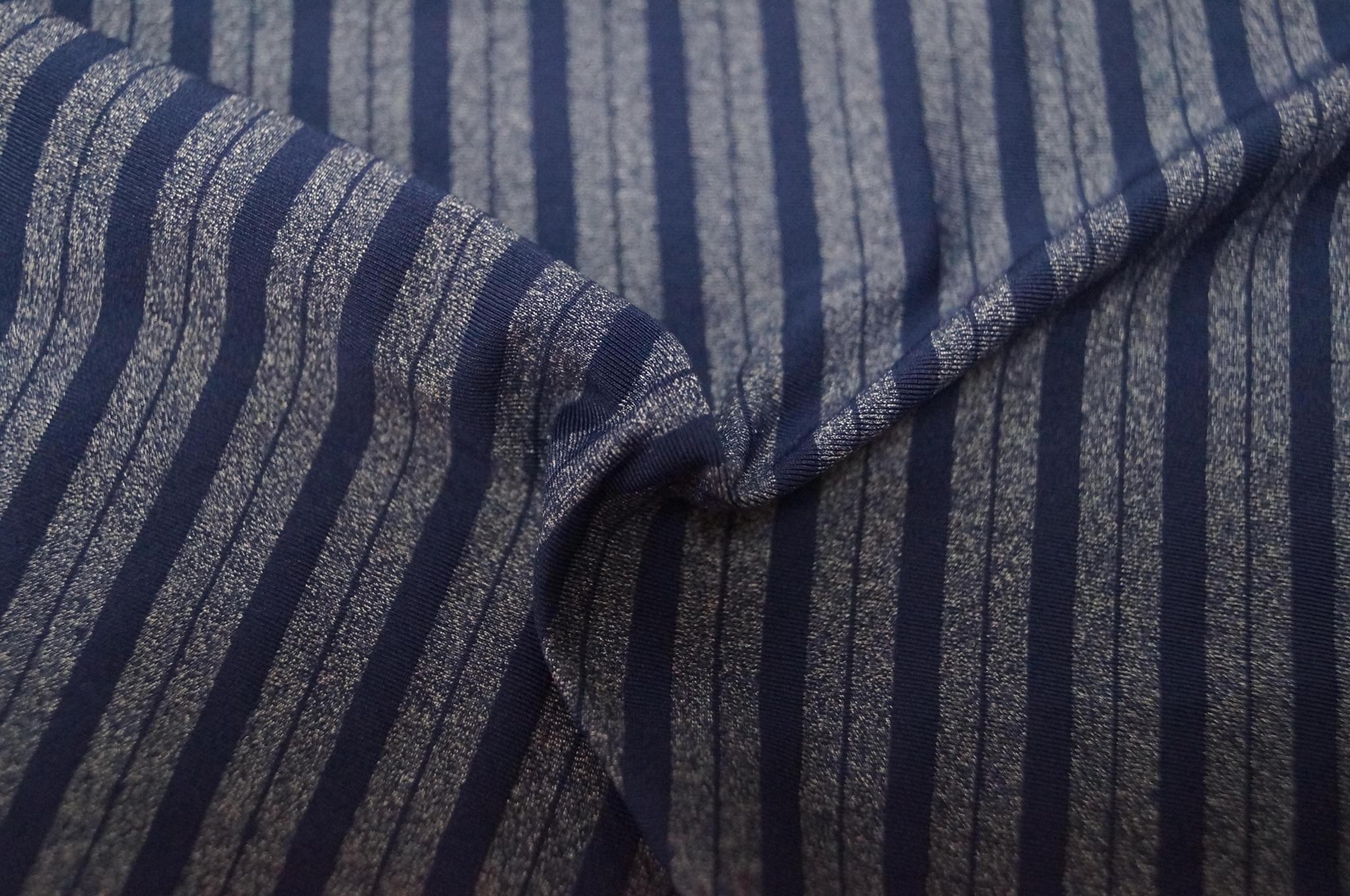 锦纶涤纶氨纶拉架条子条纹皱布泡泡布色织针织面料 4