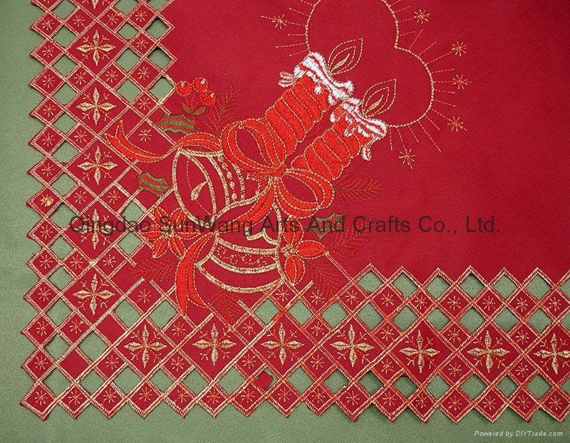 christmas embroidered tablerunners with cutwork