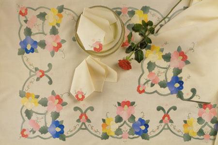 "hand aplique tablecloth 72x108""OB/13p"