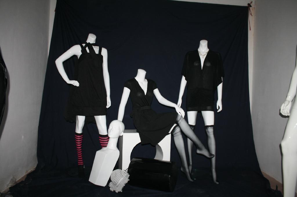 供應品牌時裝女模特 1