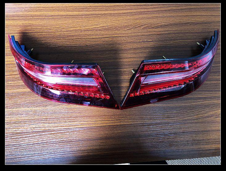 车灯灌包模具 双色车灯模具 车灯灯罩模具 2