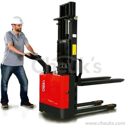 卓仕经济款全电动堆高车--CLF1025 1