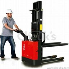 卓仕經濟款全電動堆高車--CLF1025