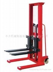 上海牛力机械CTY-A手动液压堆高车