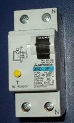 交流接觸器熱繼電器斷路器