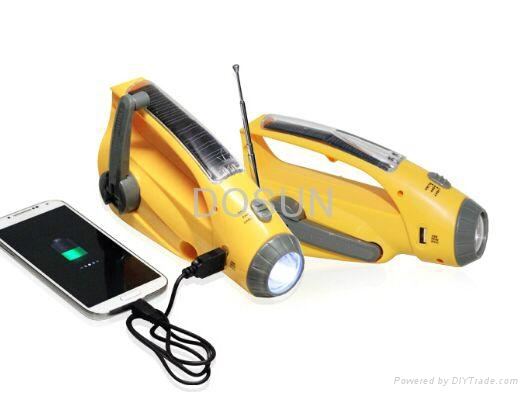 Crank Dynamo Solar Radio with Mobilephone Chargers and Flashlight 3