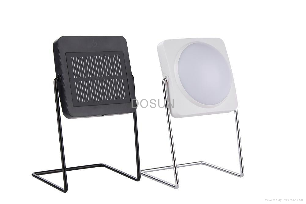 Collapsible Solar Table Lamp 1