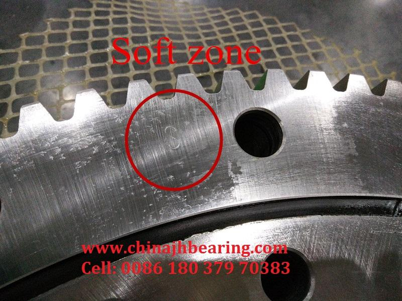 MTE-470 Belong to four point contact ball slewing bearing with external teeth,