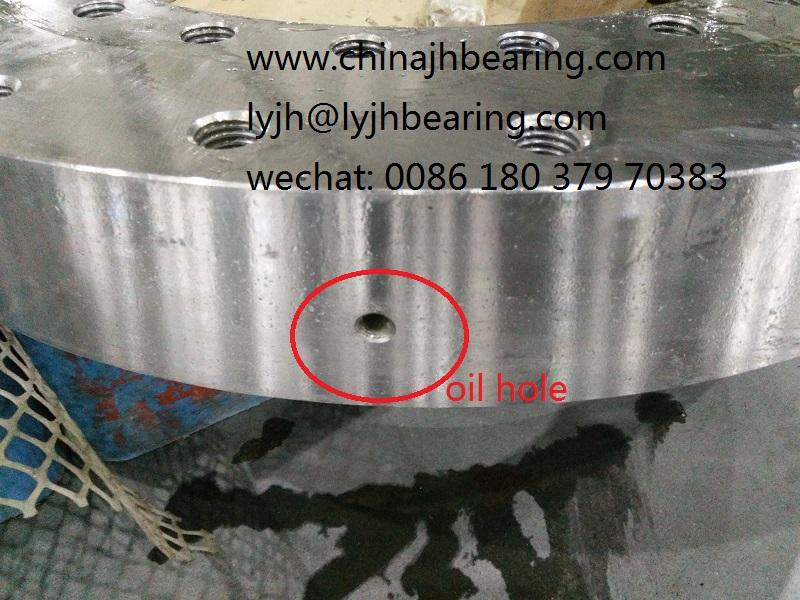 010.35.559 turntable bearing 431.8x695.452x90.932mm 2
