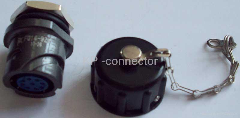 FQ14圆形螺母固定式插座带防水盖 1