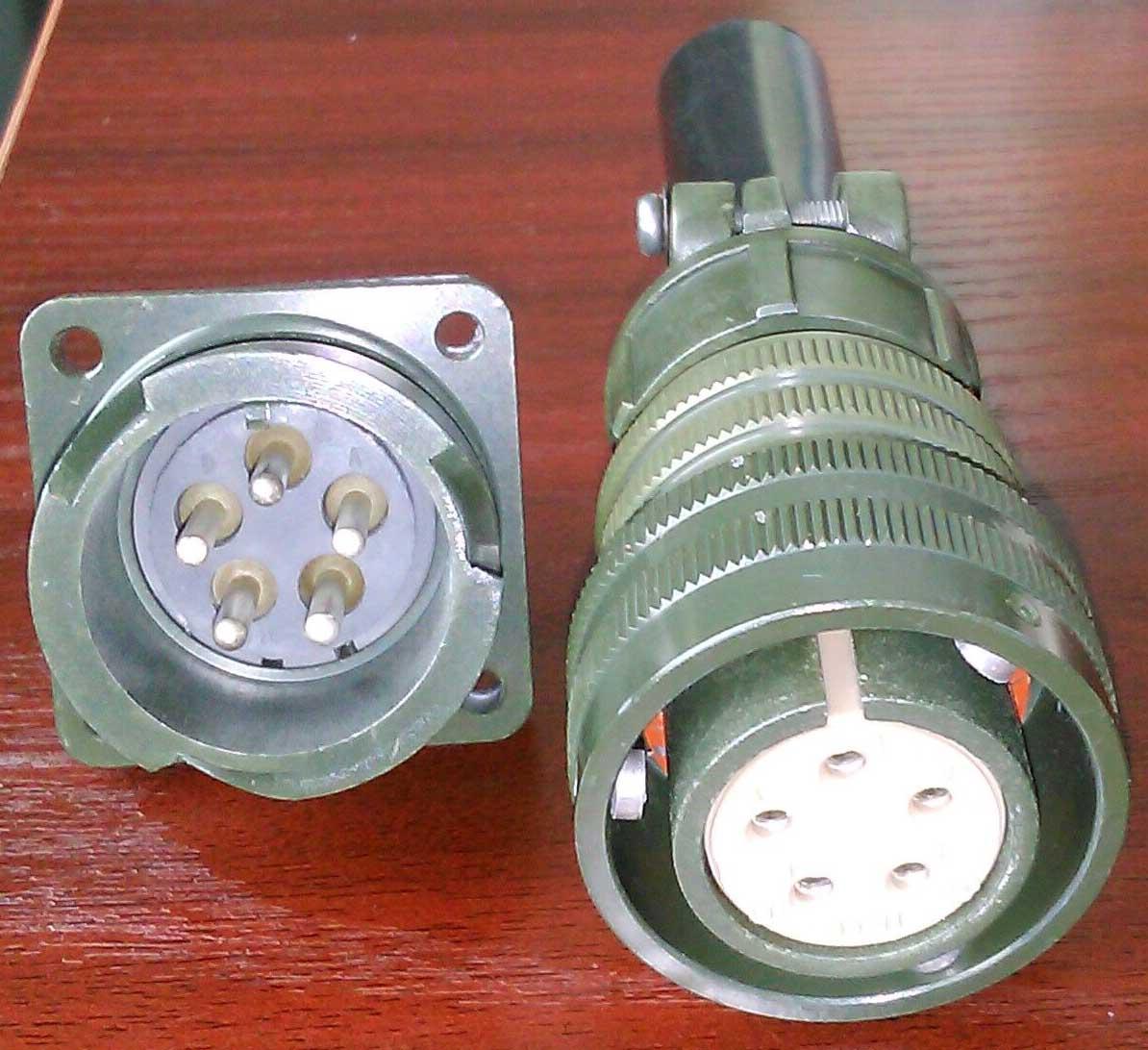 卡口插拔电连接器,航空插头 7