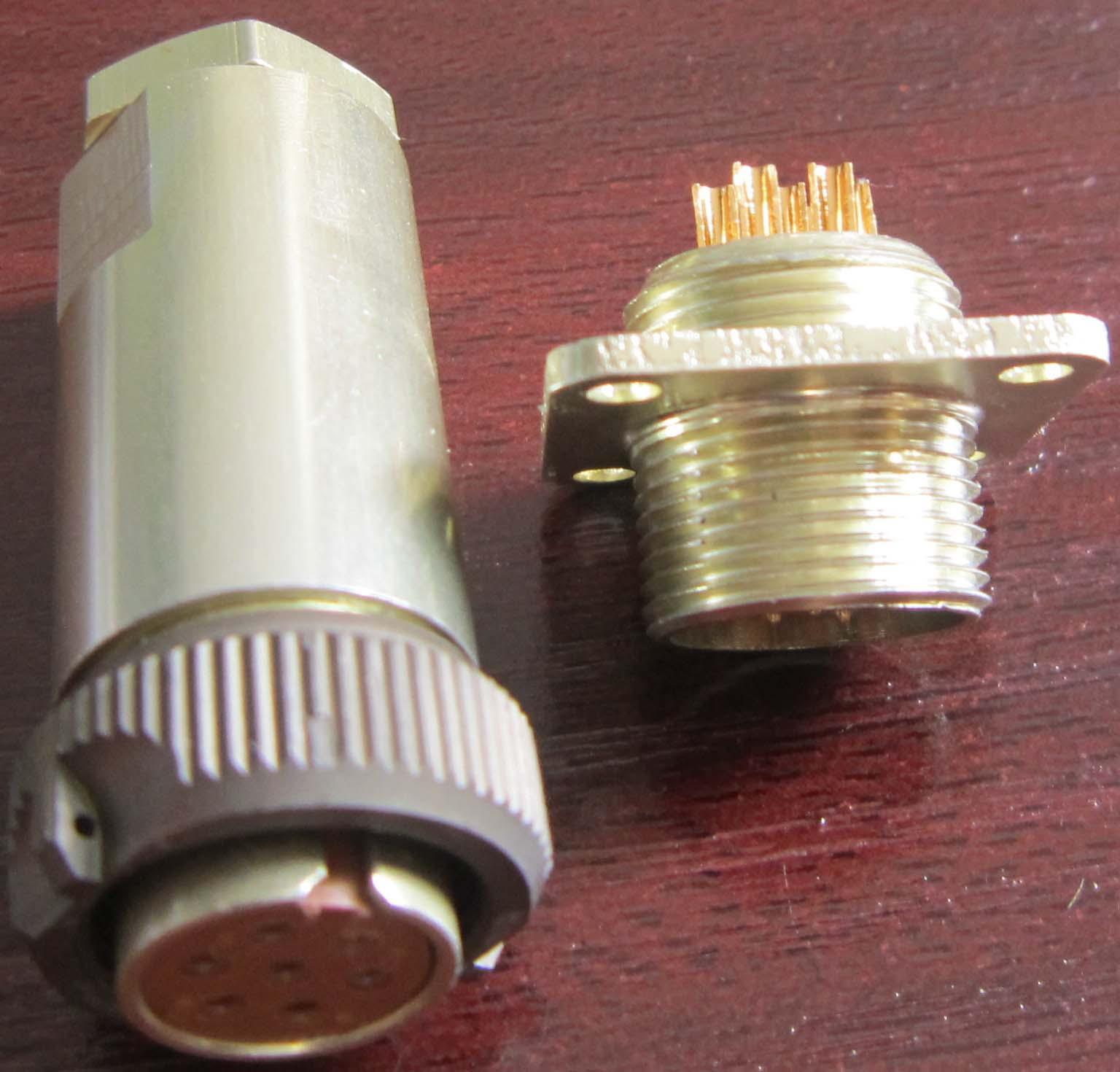 PC-7小圆形符合俄罗斯标准航空插头 7