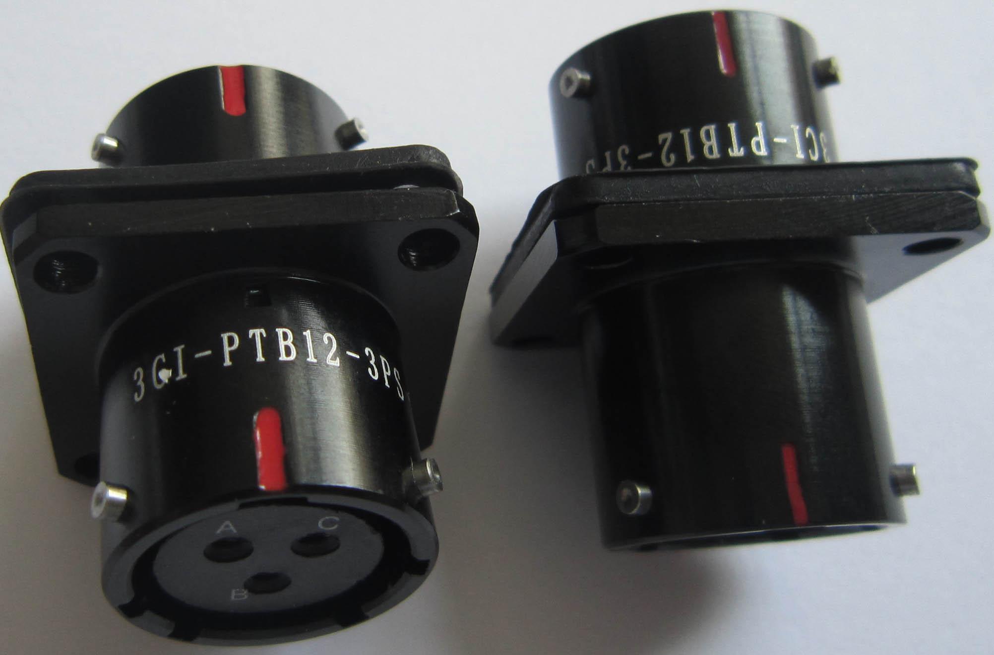 MIL-C-26482系列产品穿墙插座 3