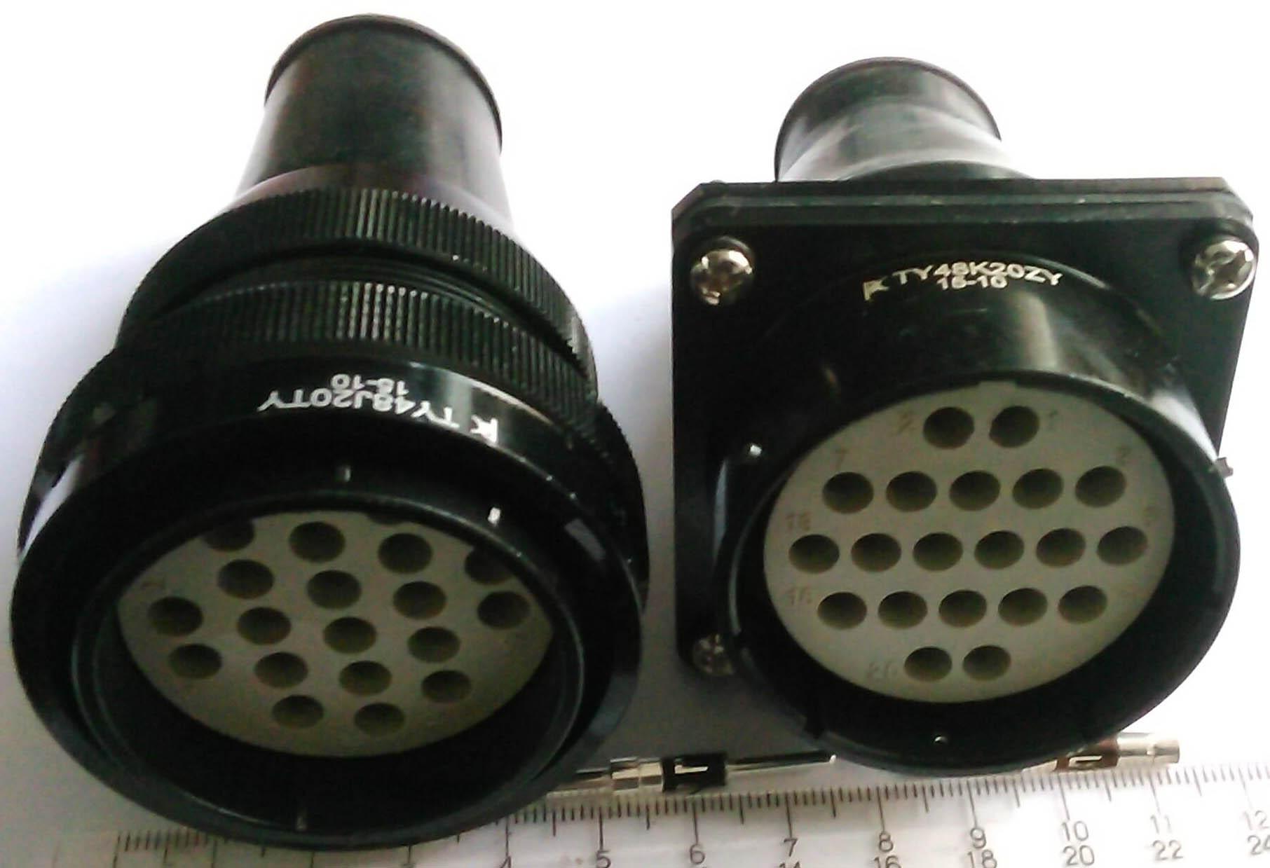 TY型圆形电连接器 1