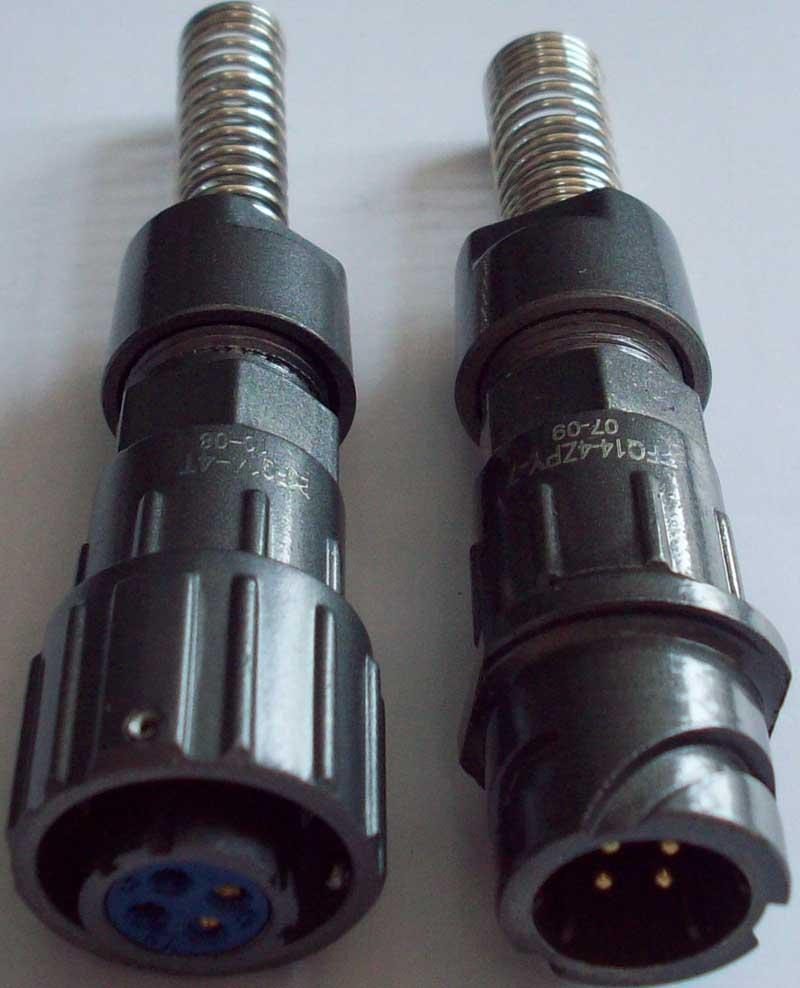 FQ14-4圆形电缆式插头座 1