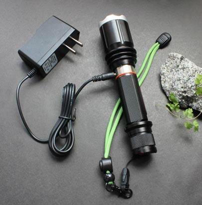 防水強光手電筒充電手電筒 3