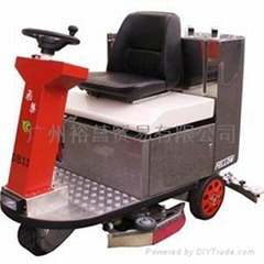 駕駛式洗地機