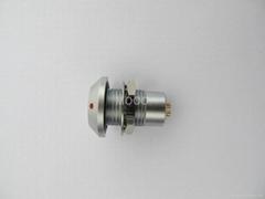 Vacuum-tight socket/receptacle high