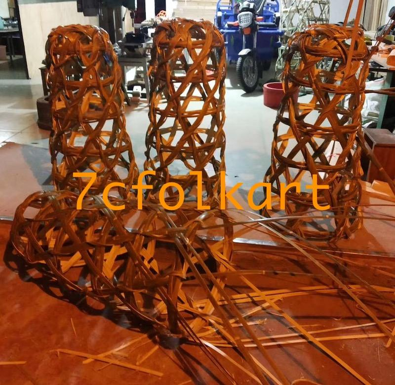Bamboo pig cage for lion dance 2