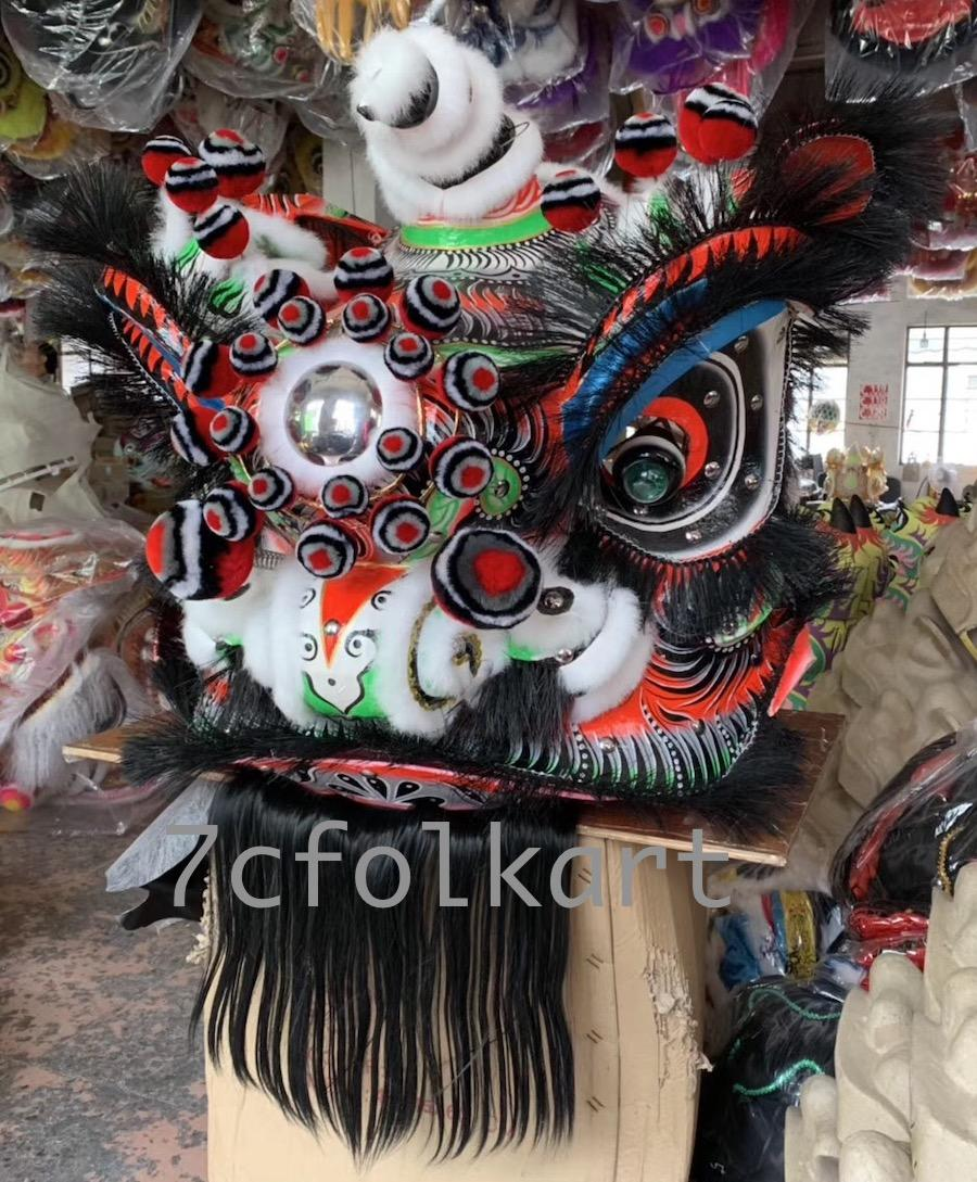 Traditional Futsan style lion heads with gold corn cheeks 1