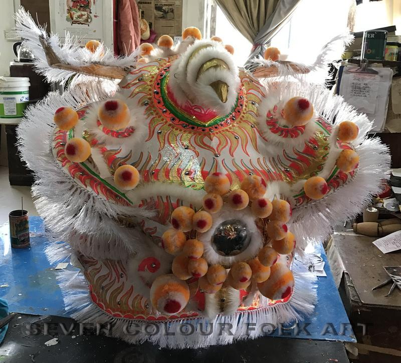 Chinese traditional lion heads with white bristle 10