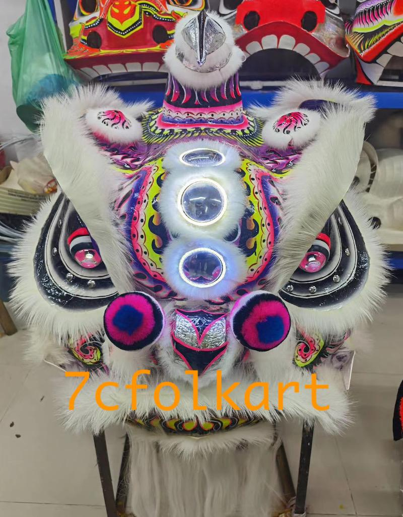 Lo fu chi lion heads with wolf fur 4