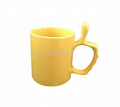 Thumb handle mug