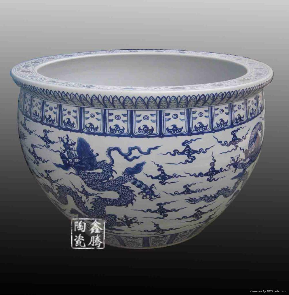 手绘青花陶瓷大缸 2