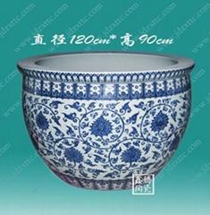 手绘青花陶瓷大缸