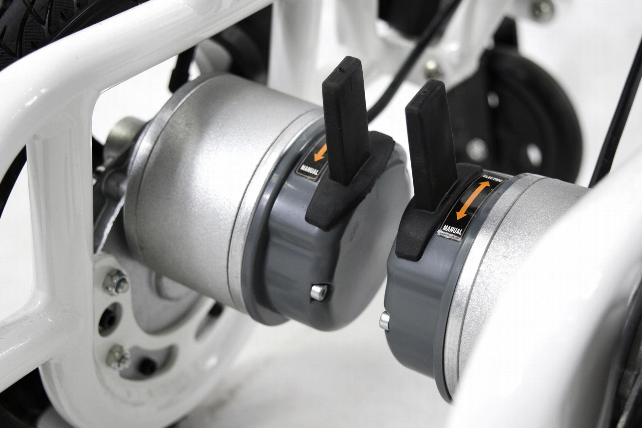 最轻便型可折叠电动轮椅16公斤锂电池  4