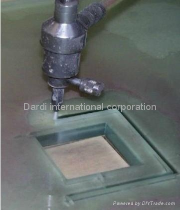Waterjet Machine Cutting Glass