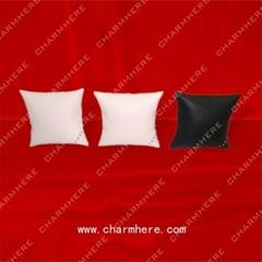 Bracelet Cushion