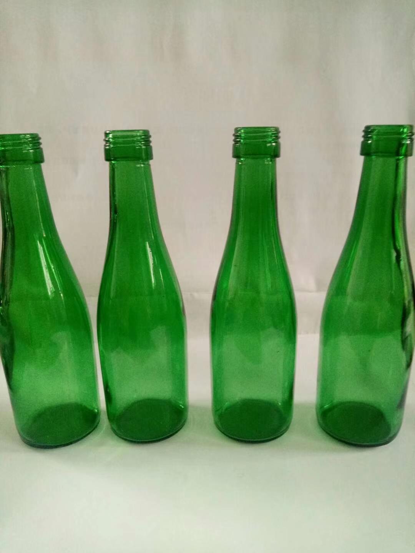 翠绿玻璃瓶绿色酒瓶 3