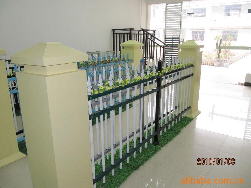 广东红顺缘锌钢护黑纱纹阳台栏杆 1