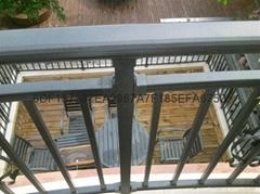 广东红顺缘木纹色护栏蓝加白锌钢栅栏