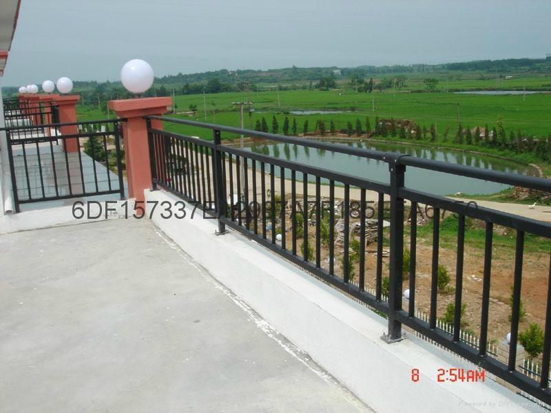 广东红顺缘木纹色护栏蓝加白锌钢栅栏 2