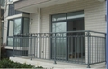 广西红顺缘推出新款木纹色锌钢护栏 5