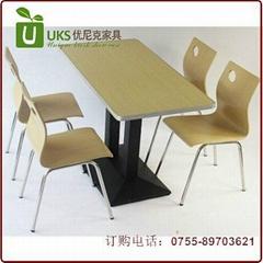 大型餐廳快餐桌椅配套,質優價廉的快餐桌椅首選廠家