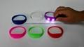 廠家直銷硅膠發光LED手環 1