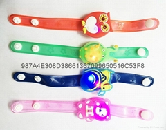 【儿童發光手腕帶】 LED閃光手鐲 發光手錶帶 軟膠手環 夜光手鏈