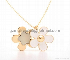 Daisy flower necklace/br