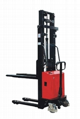 EMS1M2.5 Semi-electric stacker