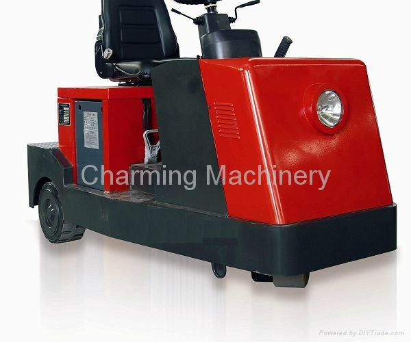 TG40 Electric Tow Tractor 1