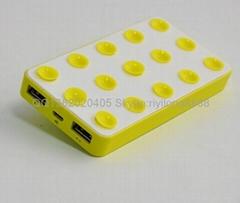 吸盘移动电源 双插口USB充电宝