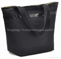 Nylon ladies tote bag black color,fashion leisure bag with sequin stripe