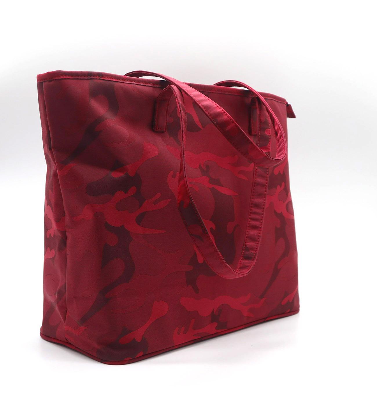 Beauty ladies nylon camouflage waterproof tote bag in garnet colour  2