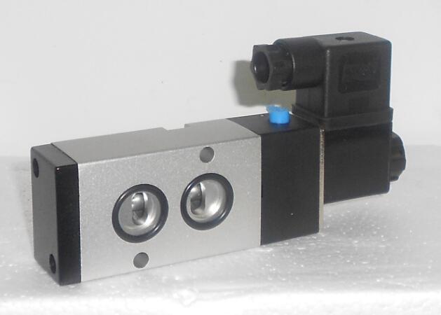 4M310-08B-220VAC电磁阀 2